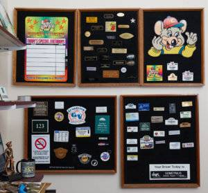 Custom plaque designs for ChuckE Cheese's ay APS in Des Moines Iowa